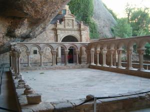 Claustro_del_Monasterio_de_San_Juan_de_la_Penna